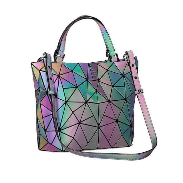 beck beach purse 6 Physical Product Ideas to Sell Online